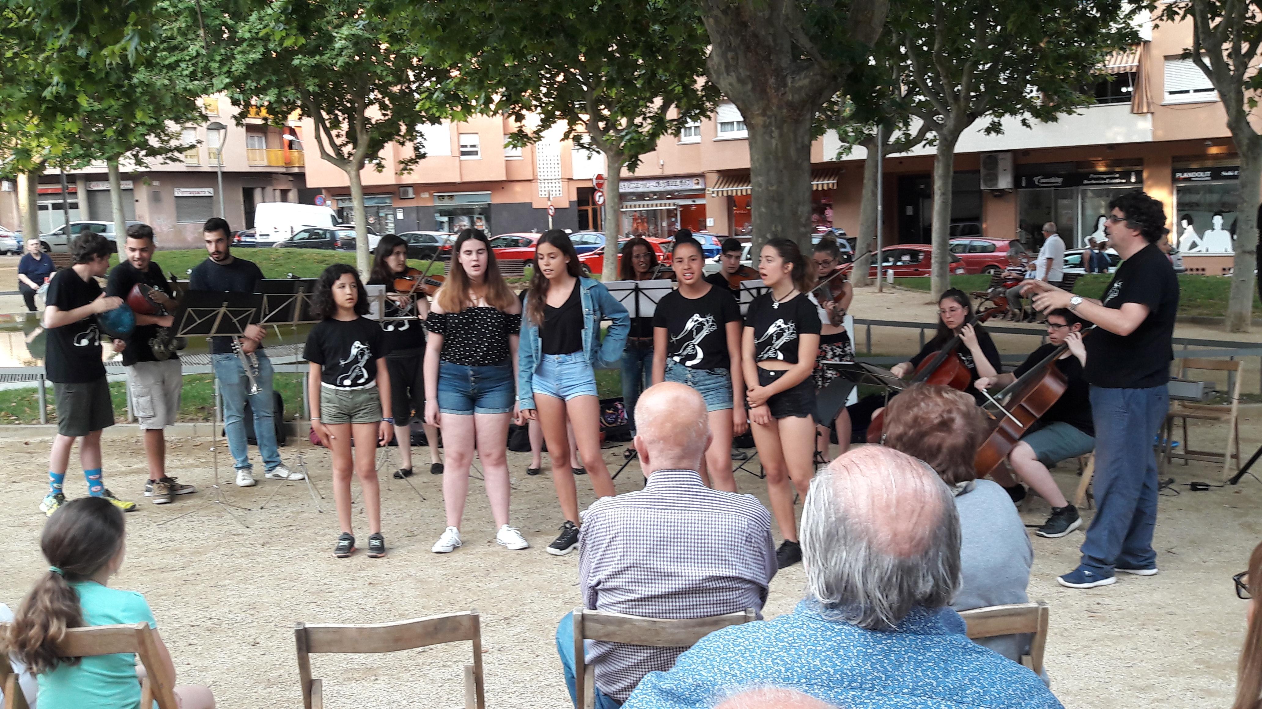 orquestra a la plaça (12)